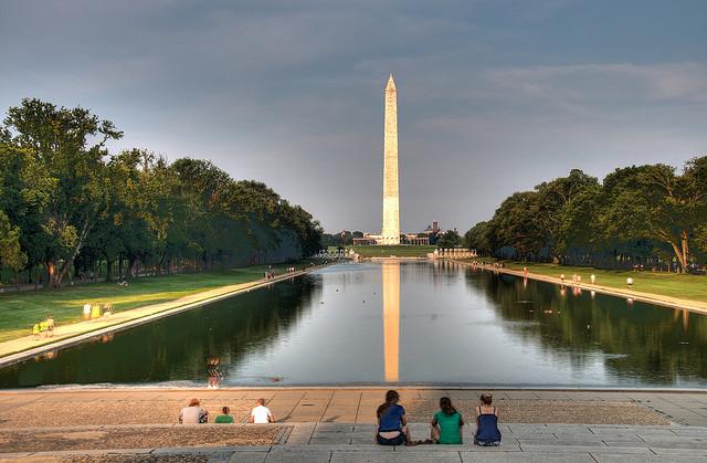 Washington-Monument-w-Pool